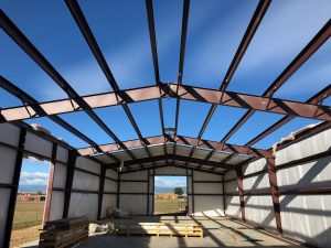 steel building erection and insulation
